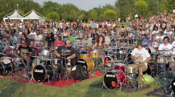 foo-fighters-1000-musicians-in-italy